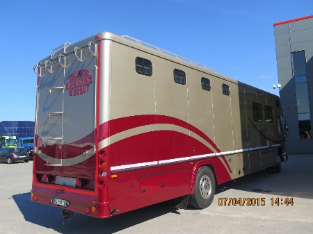 Oakley horsebox after Painting