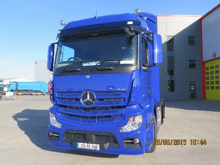 Spray paint job which was completed on an Mercedes Actros truck